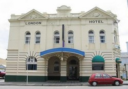 The London Hotel - Redcliffe Tourism