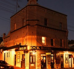 Bald Rock Hotel - Redcliffe Tourism