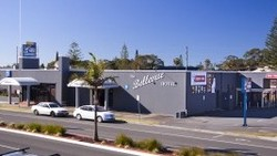 Bellevue Hotel Tuncurry - Redcliffe Tourism