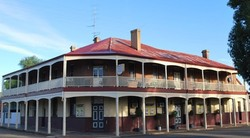 Brookton Club Hotel - Redcliffe Tourism