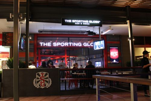 The Sporting Globe Bar amp Grill - Redcliffe Tourism