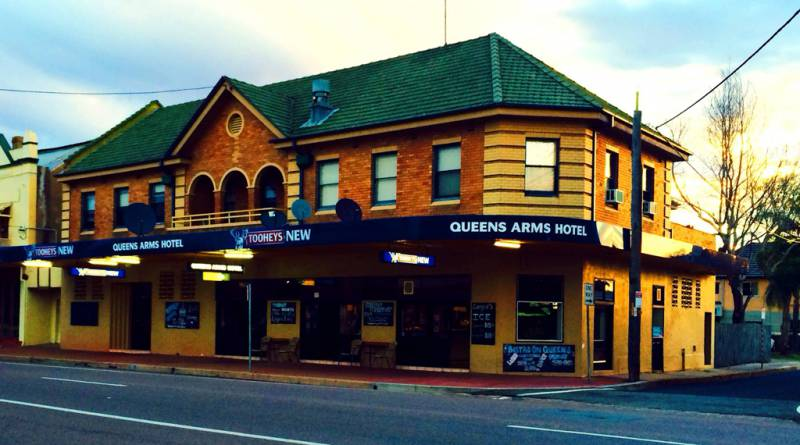 Queens Arms Hotel - Redcliffe Tourism