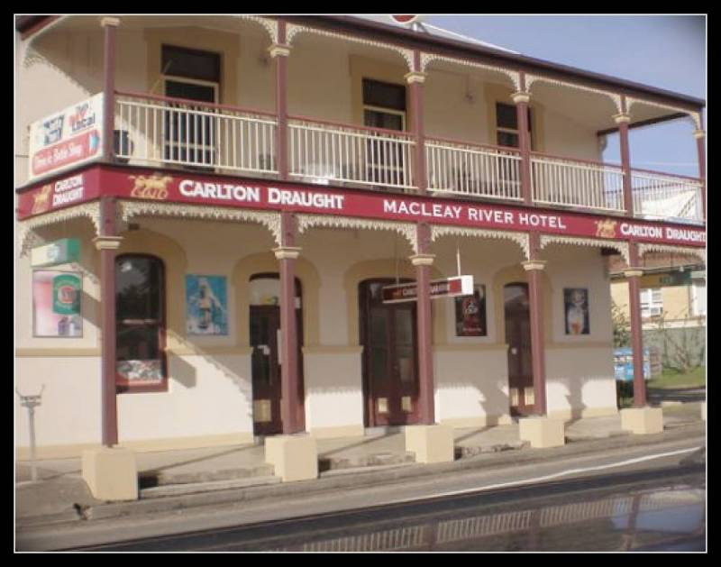 Macleay River Hotel - Redcliffe Tourism