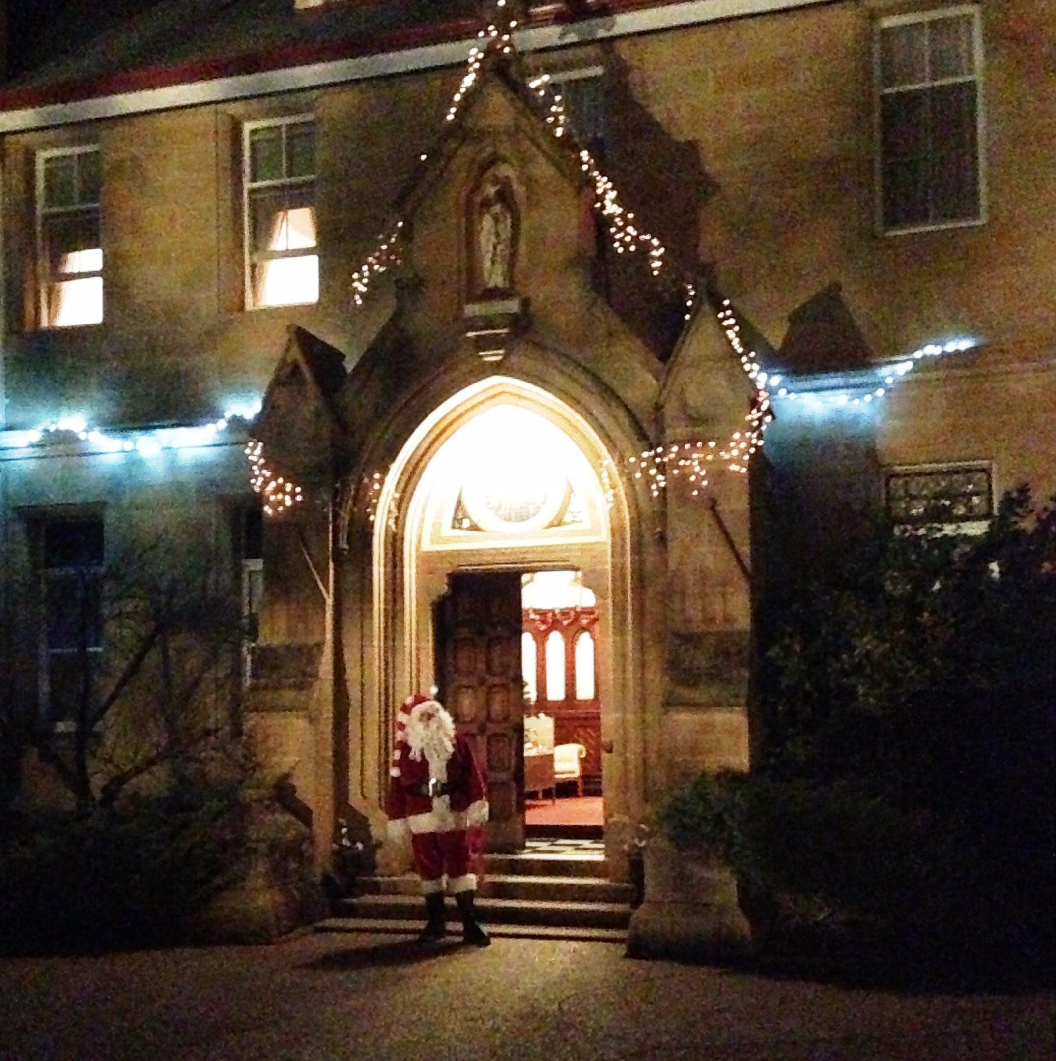 Abbey of the Roses - Christmas in July - Redcliffe Tourism