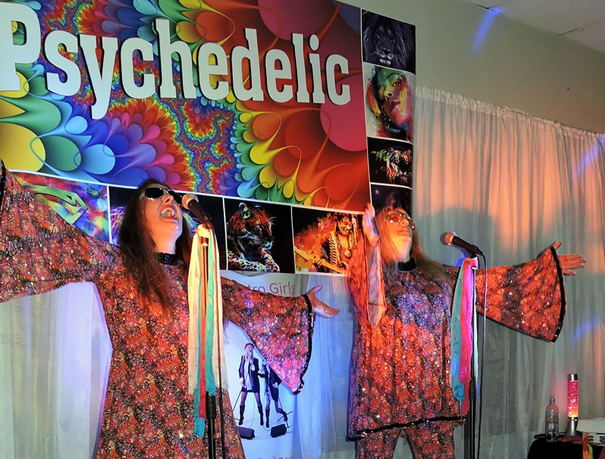 Psychedelic 70s Show The Retro Girls - Redcliffe Tourism