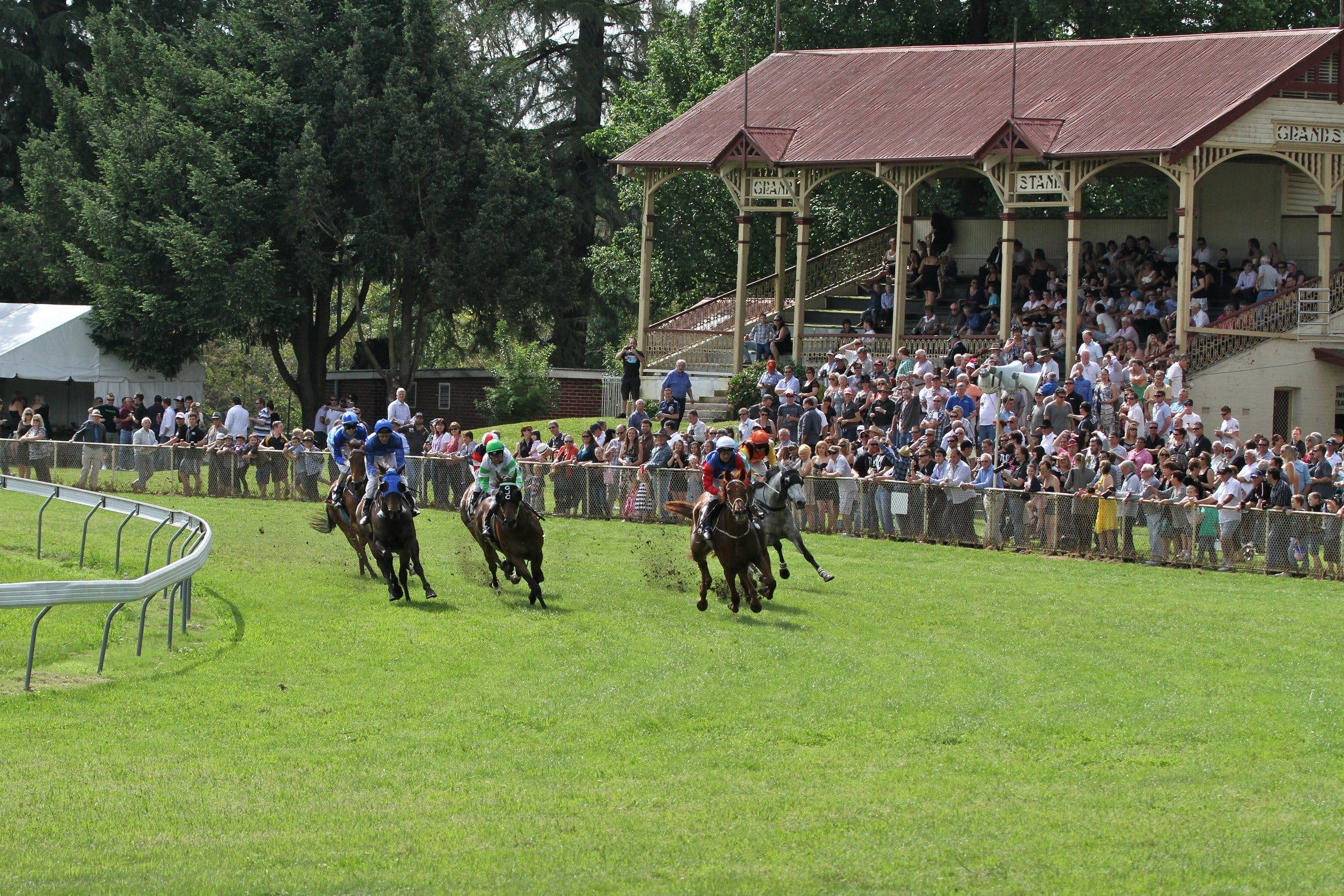 Tumut Derby Day - Redcliffe Tourism