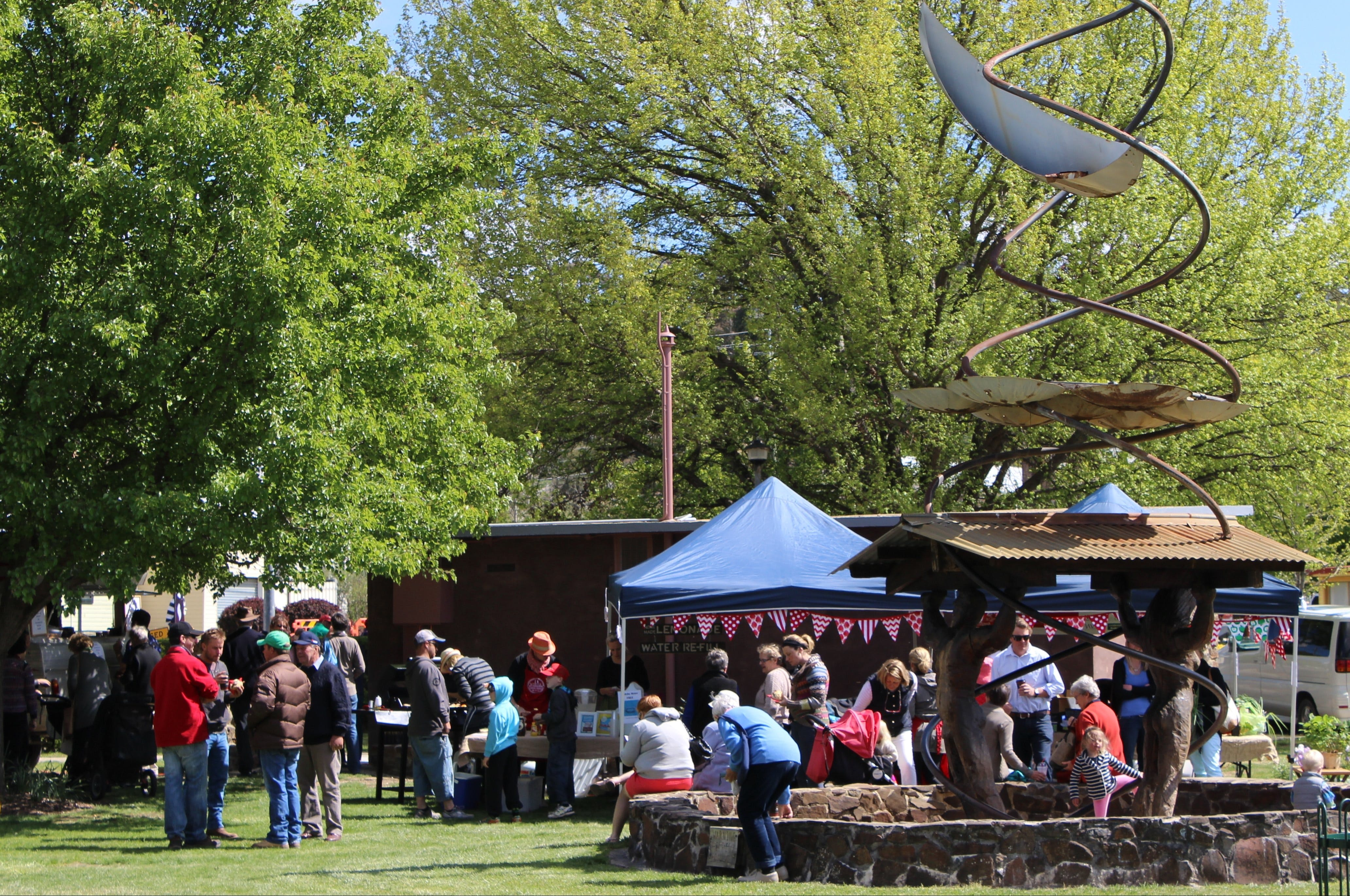 Walcha Farmers' Market - Redcliffe Tourism