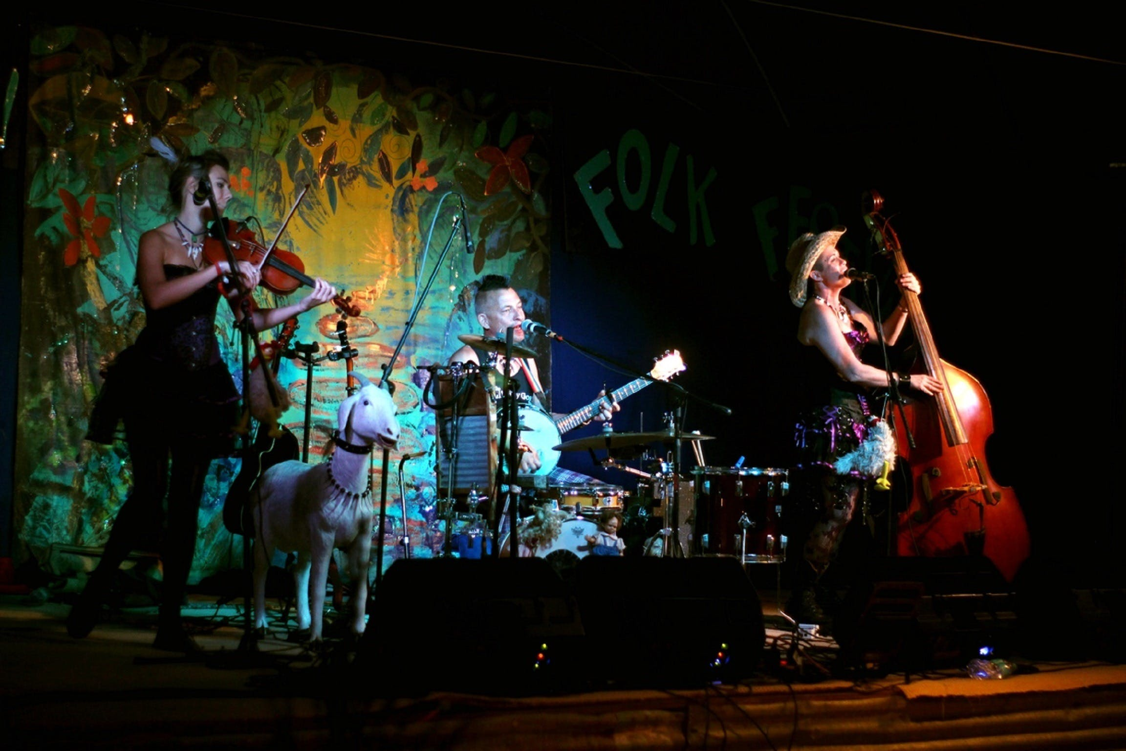 Bony Mountain Folk Festival - Redcliffe Tourism