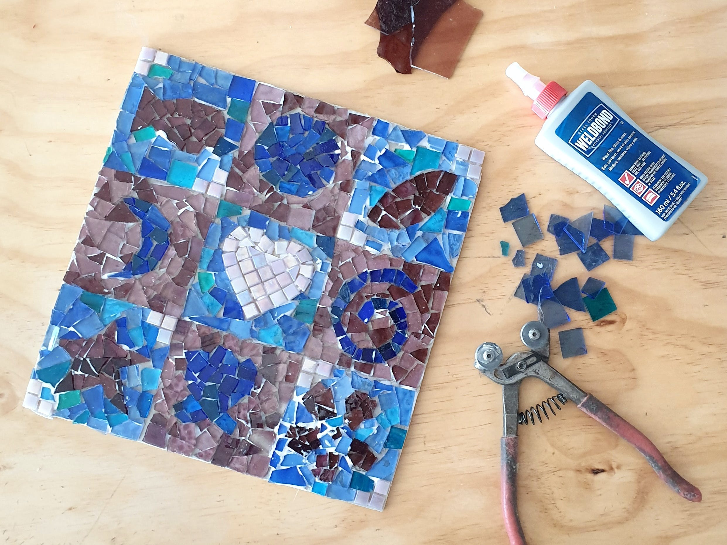 Intro to Mosaics Weekend with Leadlight By Ettore - Redcliffe Tourism