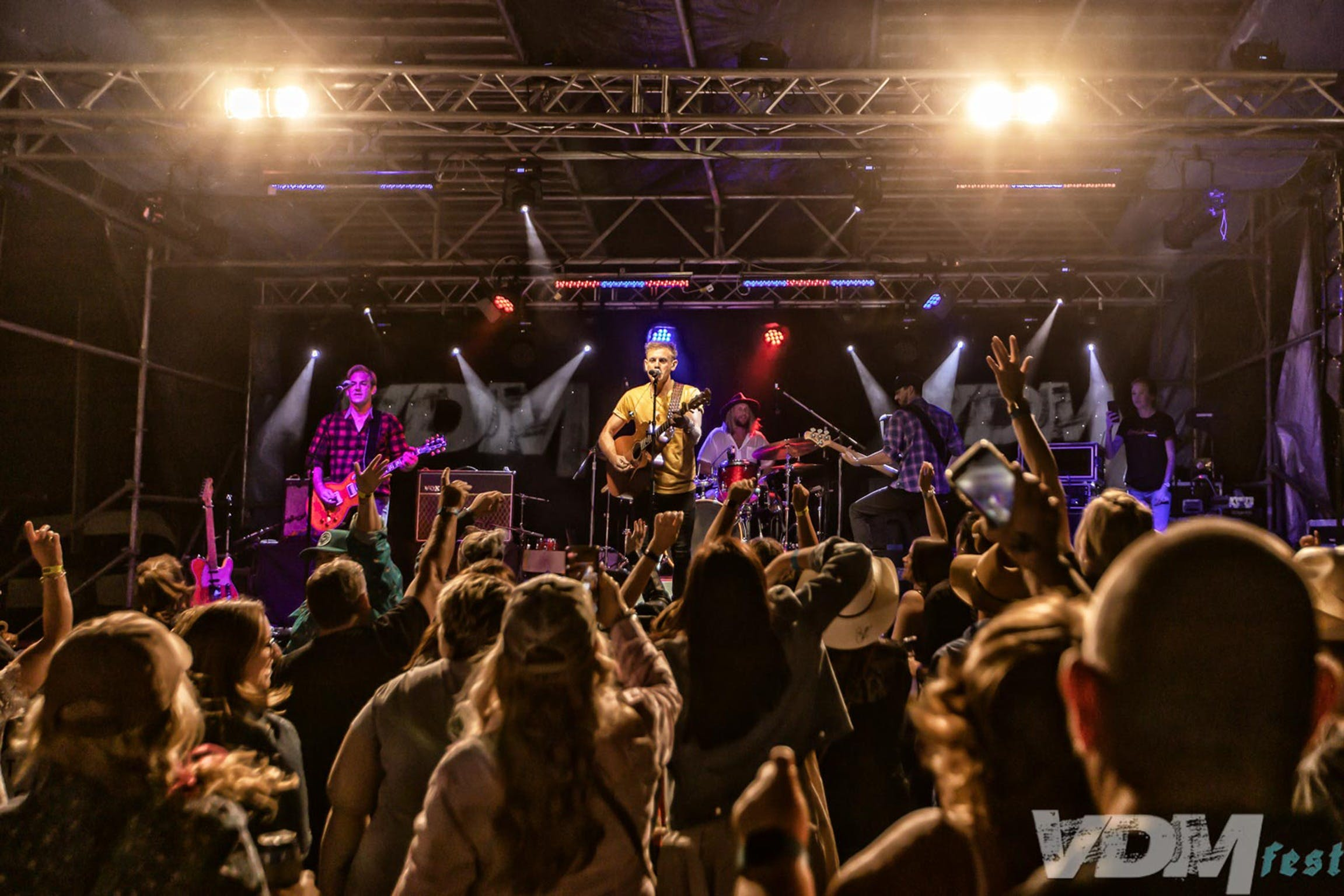 VDM Fest - Rock Edge Country Music Festival - Redcliffe Tourism