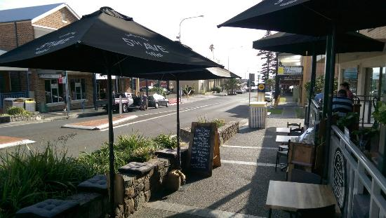 5th Ave - Redcliffe Tourism