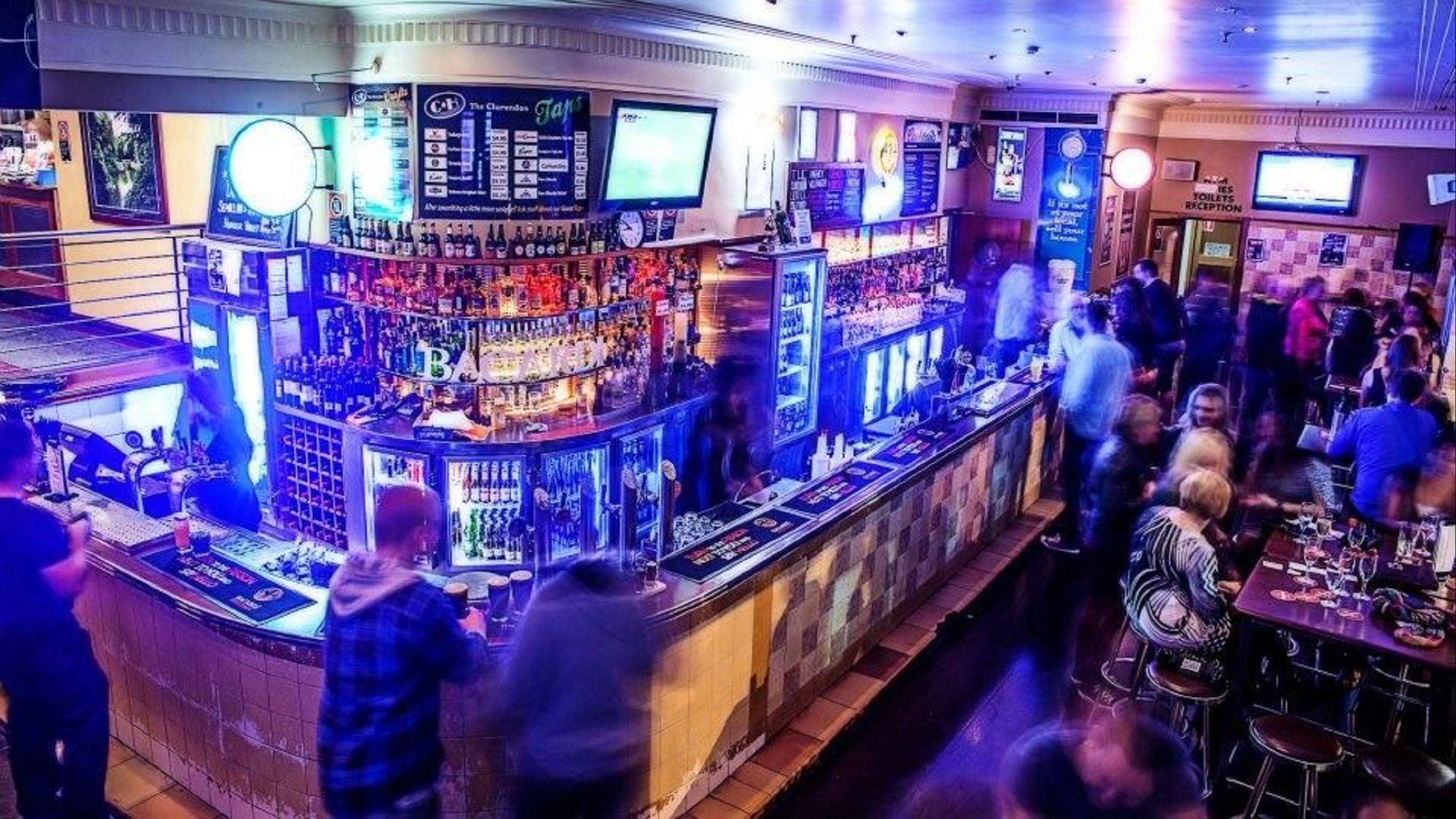 The Clarendon Hotel Bar - Redcliffe Tourism