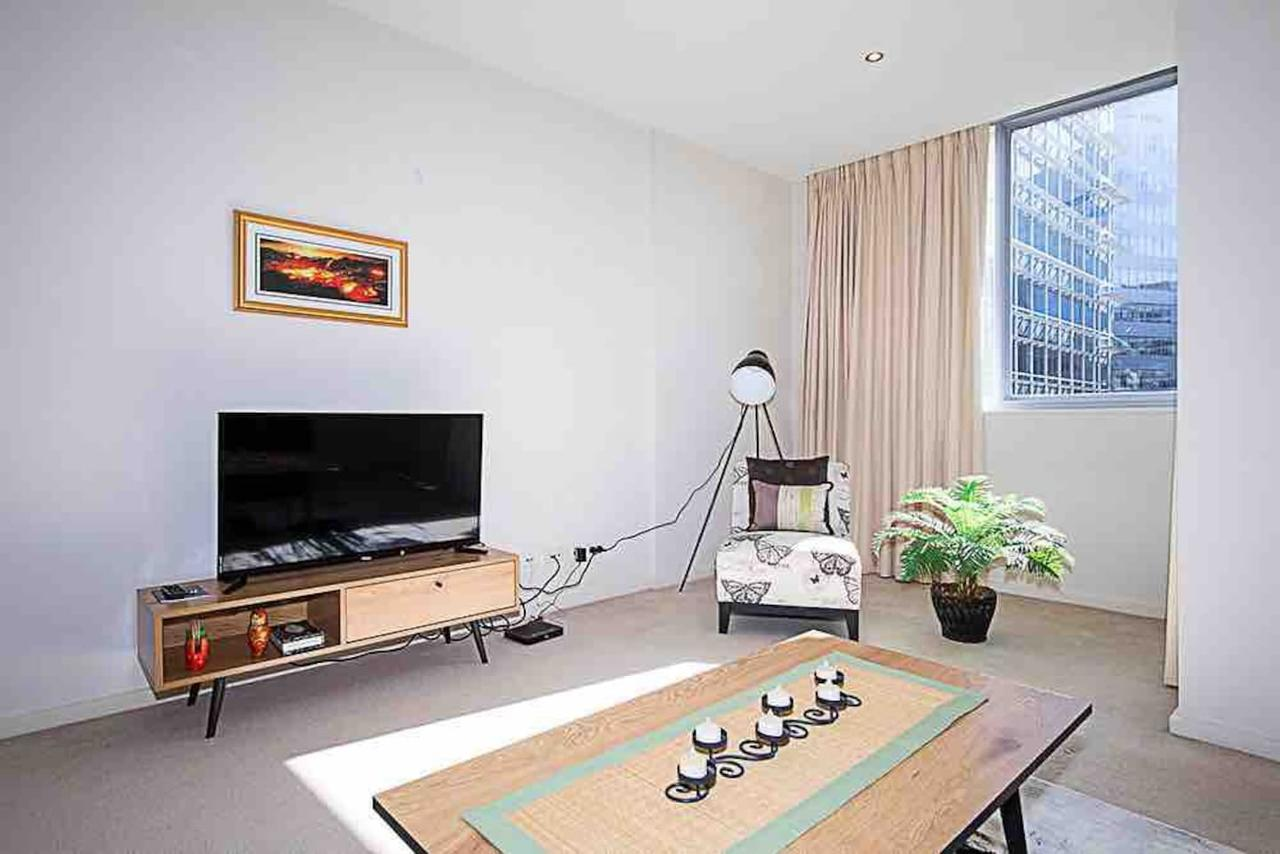 Spacious 1BR Stylish New Acton Apartment Parking - Redcliffe Tourism