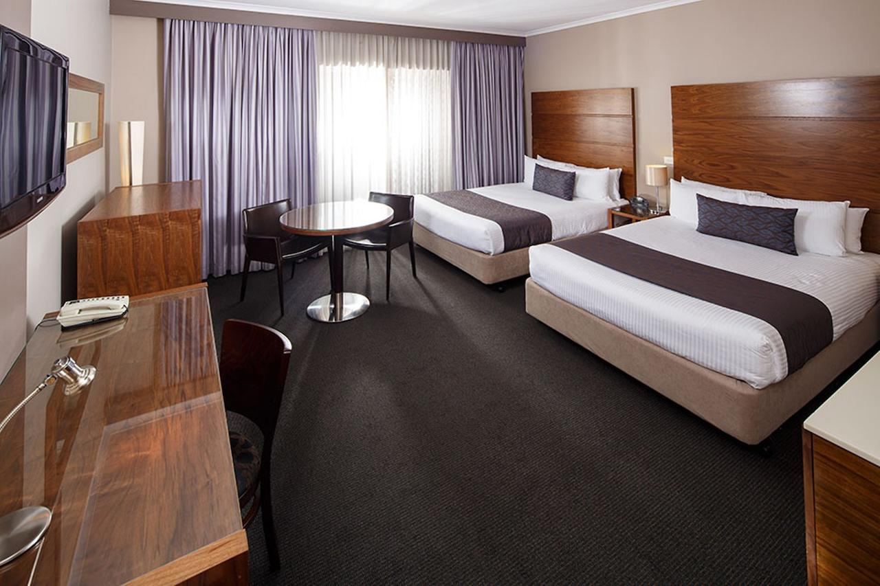 Quality Hotel Dickson - Redcliffe Tourism