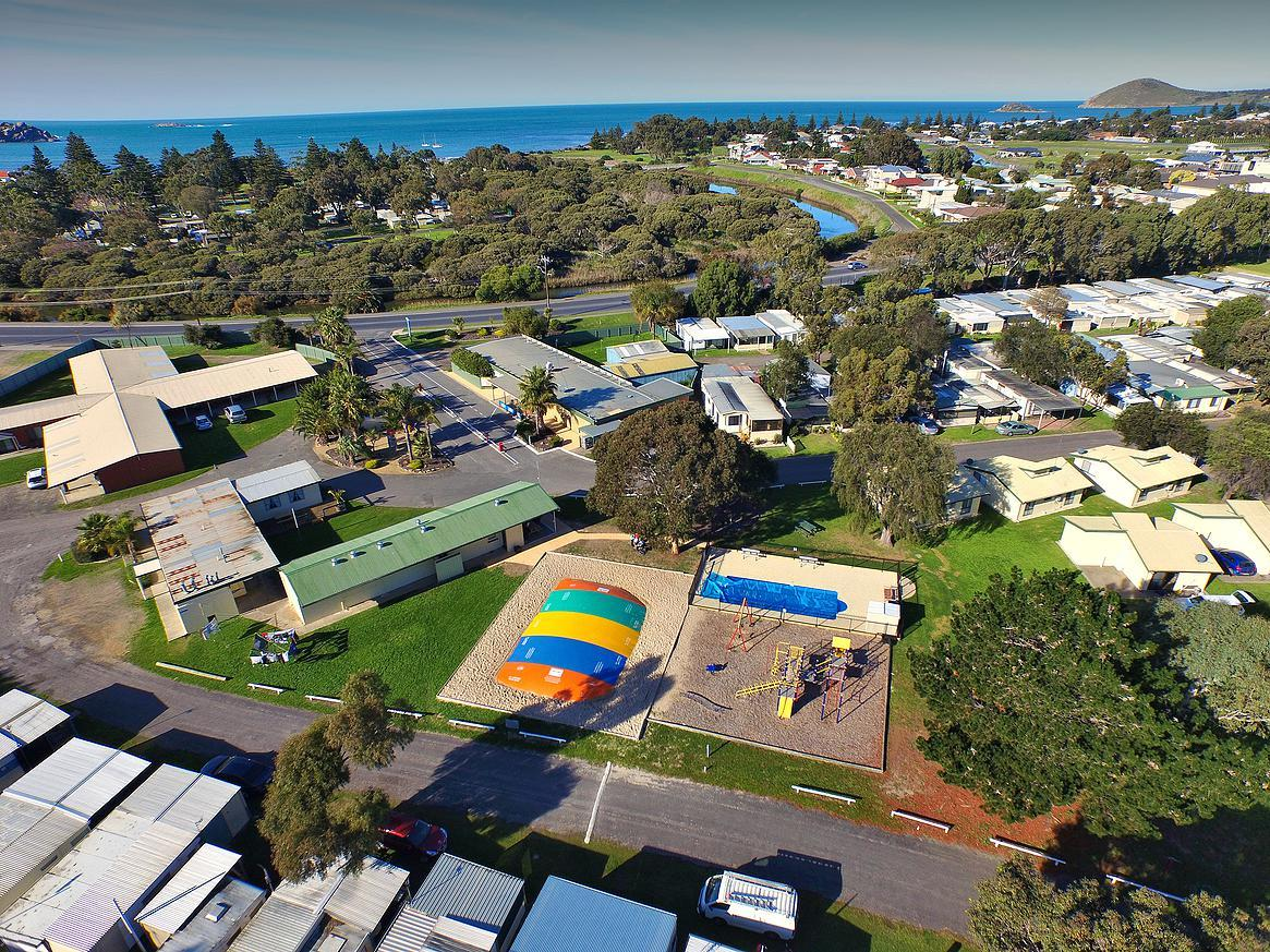Victor Harbor Holiday  Cabin Park - Redcliffe Tourism