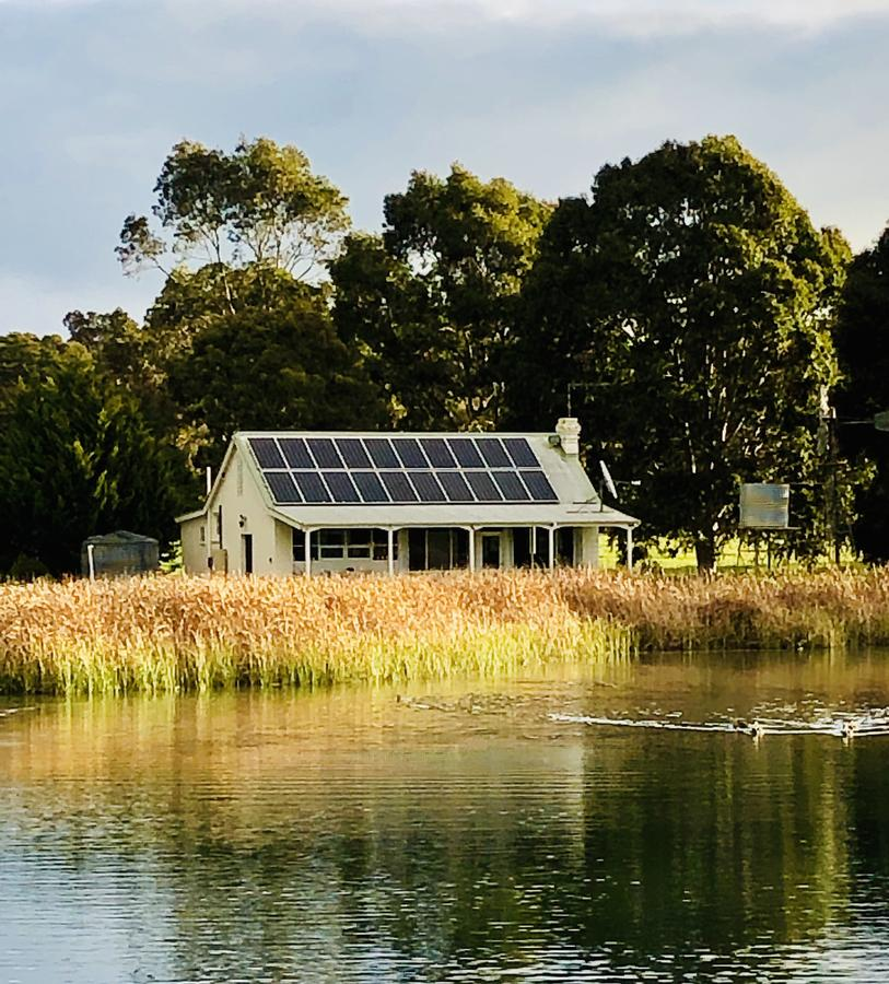 The Lake House Retreat - Redcliffe Tourism
