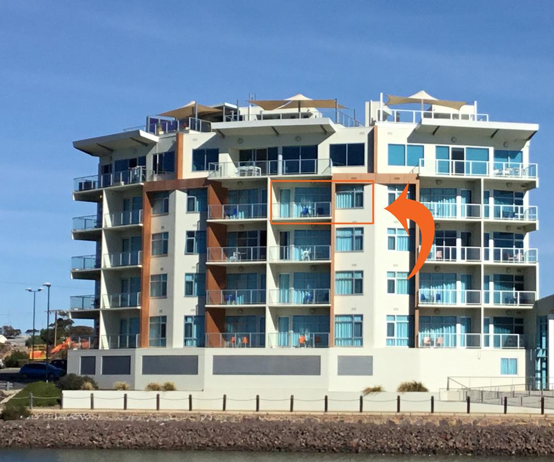 Wallaroo Marina Waterfront Luxe Apartment - Redcliffe Tourism