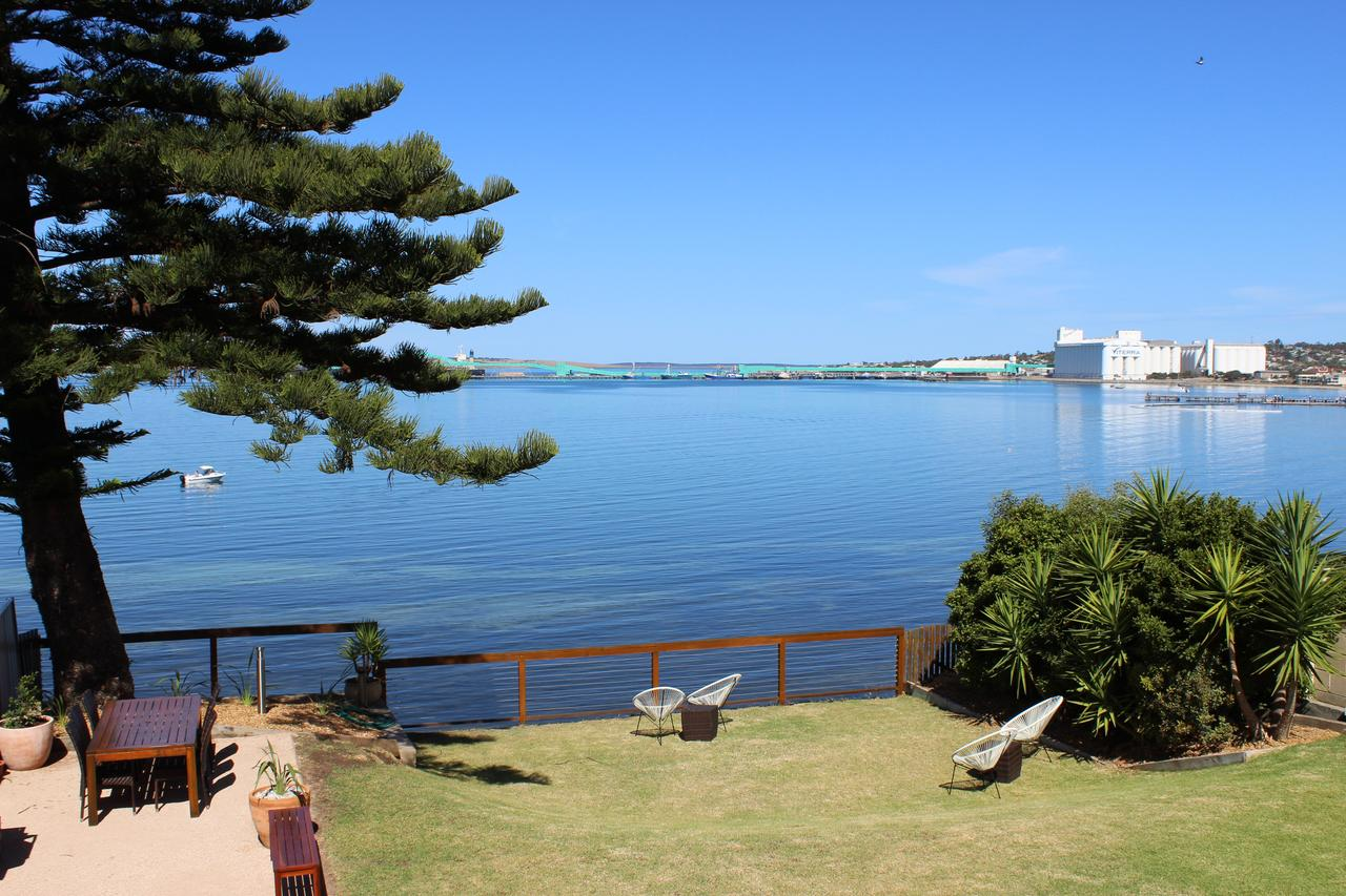 Bay 10 - Suites and Apartments - Redcliffe Tourism