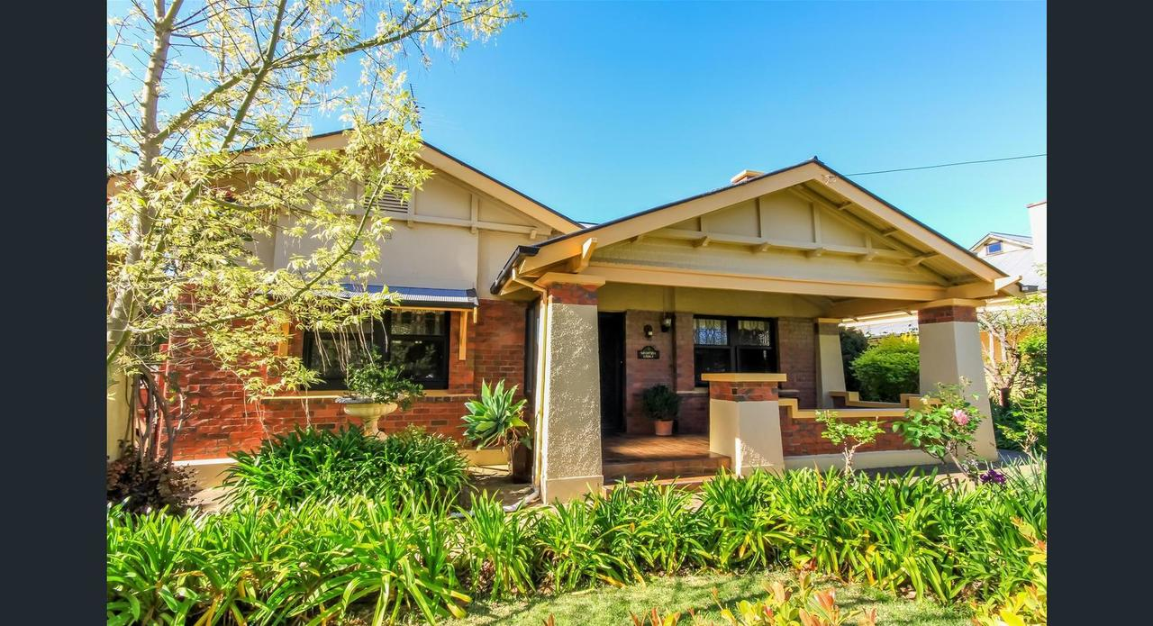 Ambrosia Holiday Home - Redcliffe Tourism