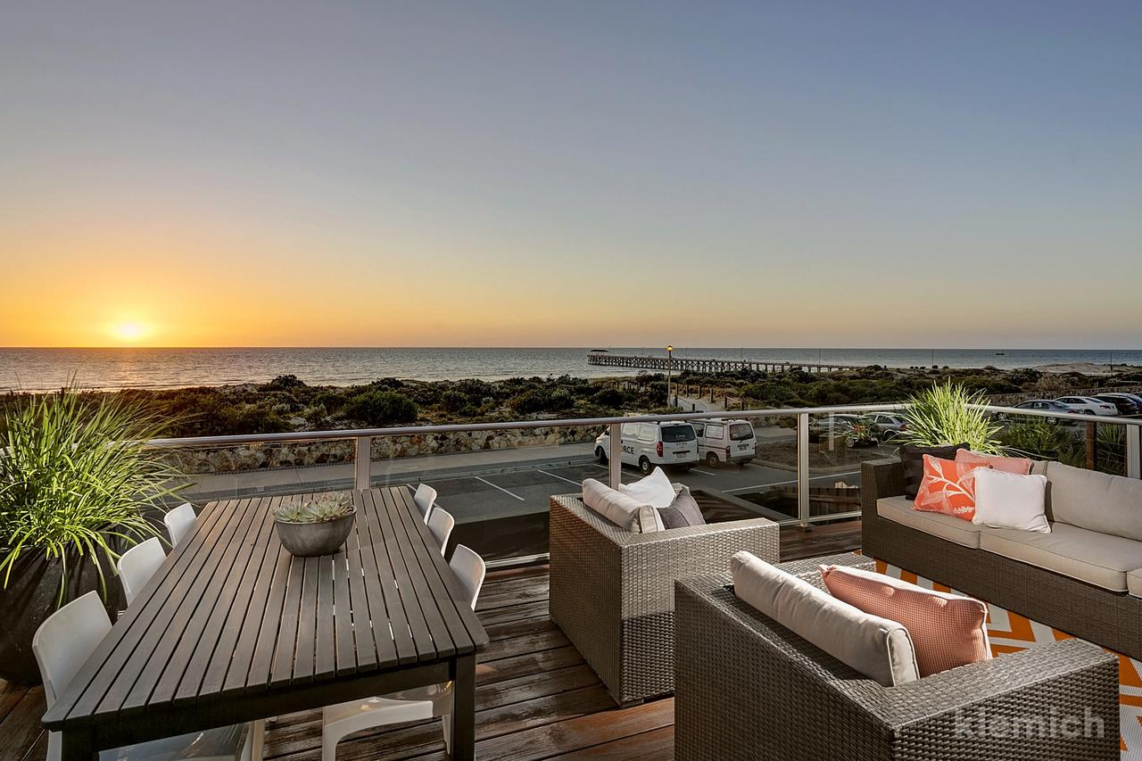 The Beach House  Grange - Redcliffe Tourism
