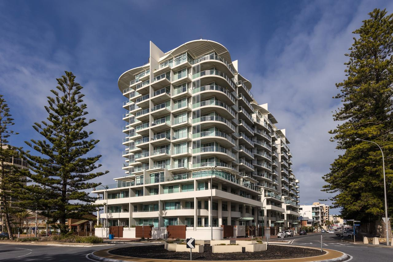 Oaks Liberty Towers - Redcliffe Tourism
