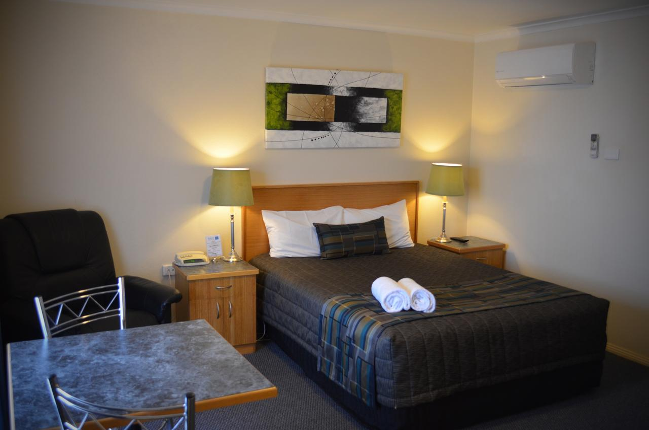 Arkana Motor Inn  Terrace Apartments - Redcliffe Tourism
