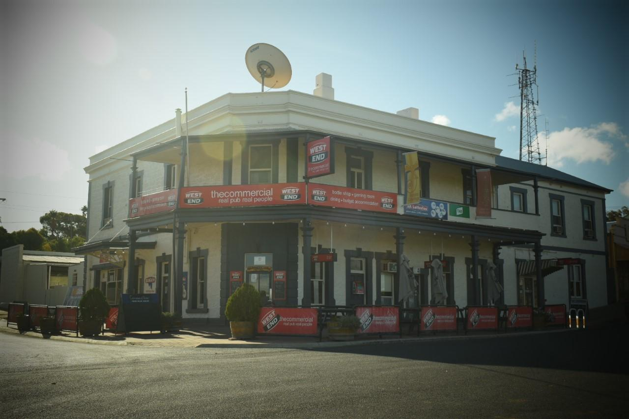 Commercial Hotel Morgan - Redcliffe Tourism