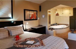 Romantic Getaways at Riverview Rise Retreats - Redcliffe Tourism