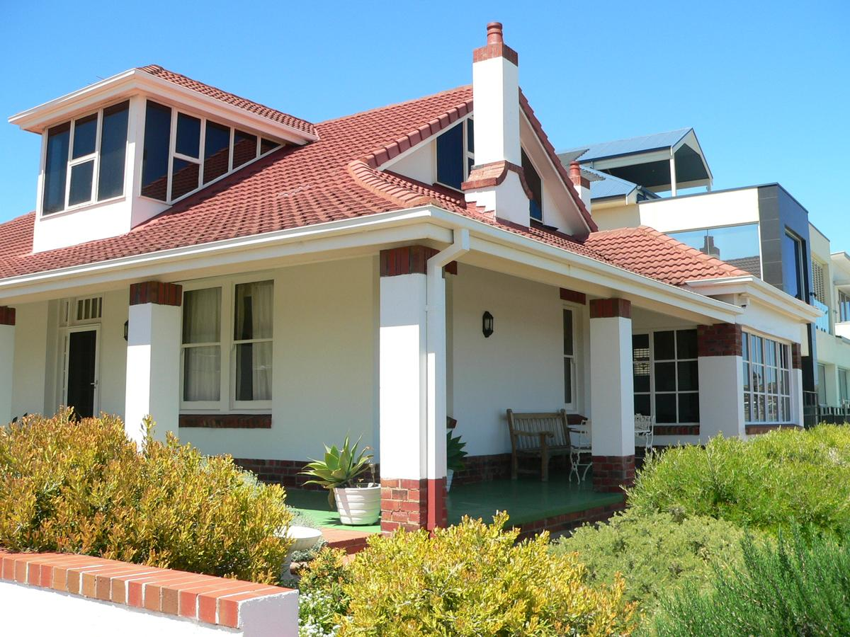 Brighton Beach House - Redcliffe Tourism