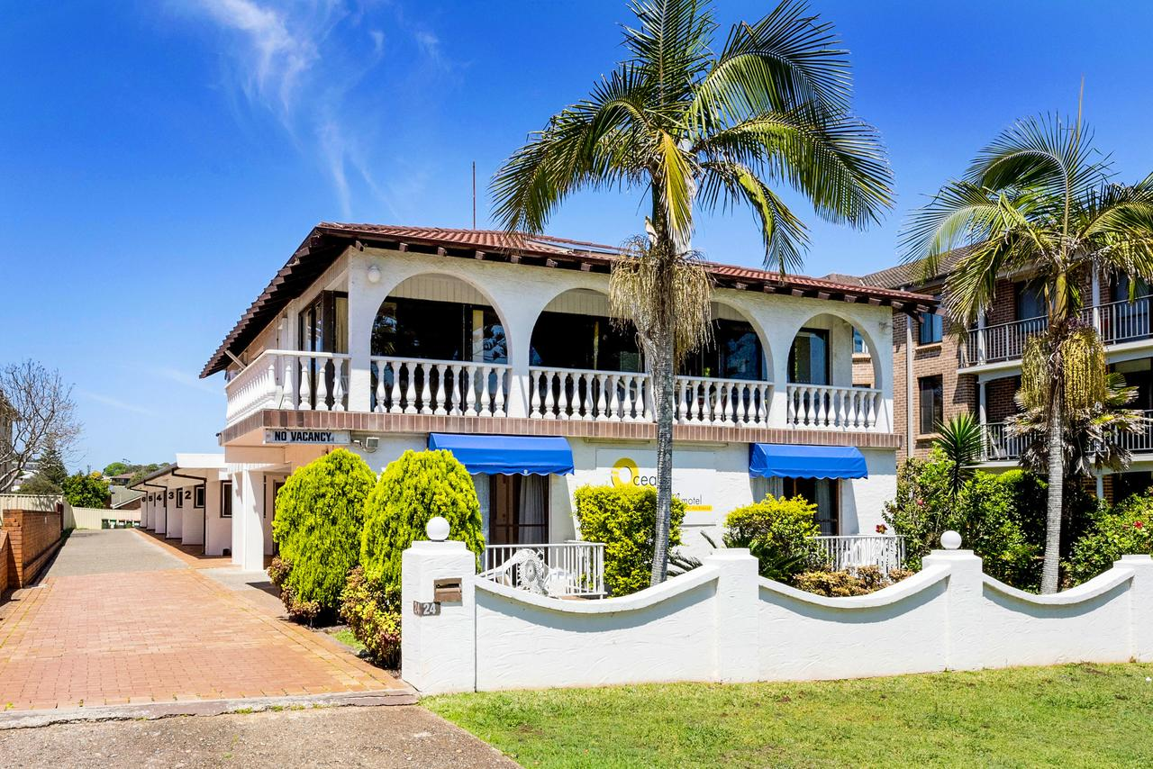 OCEAN BREEZE MOTEL - Redcliffe Tourism