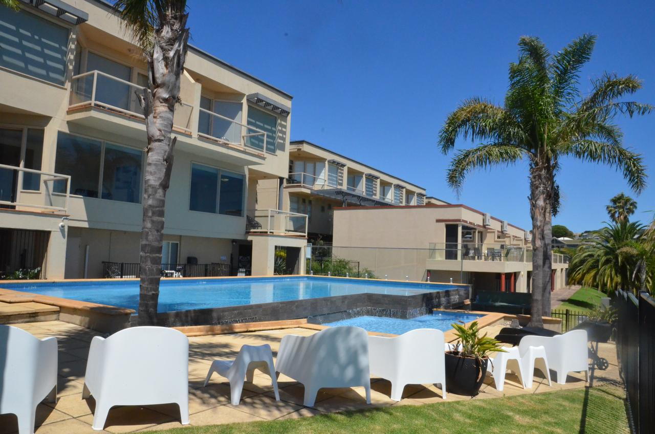 The Bluff Resort Apartments - Redcliffe Tourism