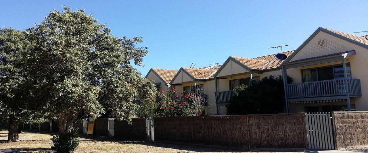 Townhouse On The Marina - Redcliffe Tourism