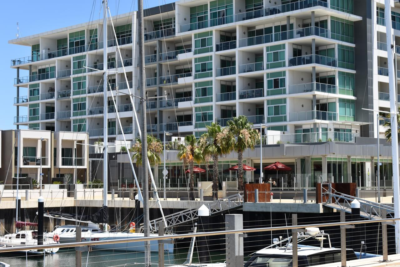 Breakwater Apartment - Redcliffe Tourism