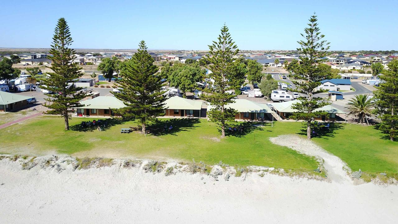 Wallaroo Holiday Park - Redcliffe Tourism