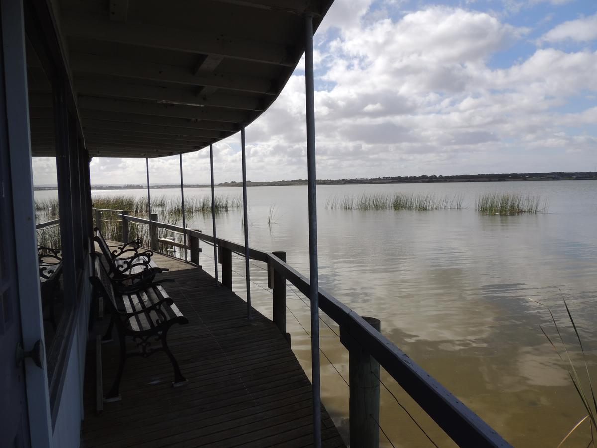 PS Federal Retreat Paddle Steamer Goolwa - Redcliffe Tourism