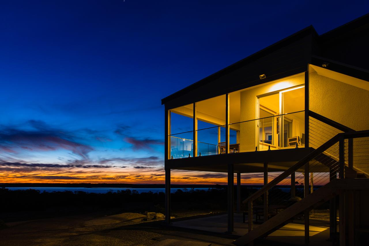 Southern Ocean Lookout - Redcliffe Tourism