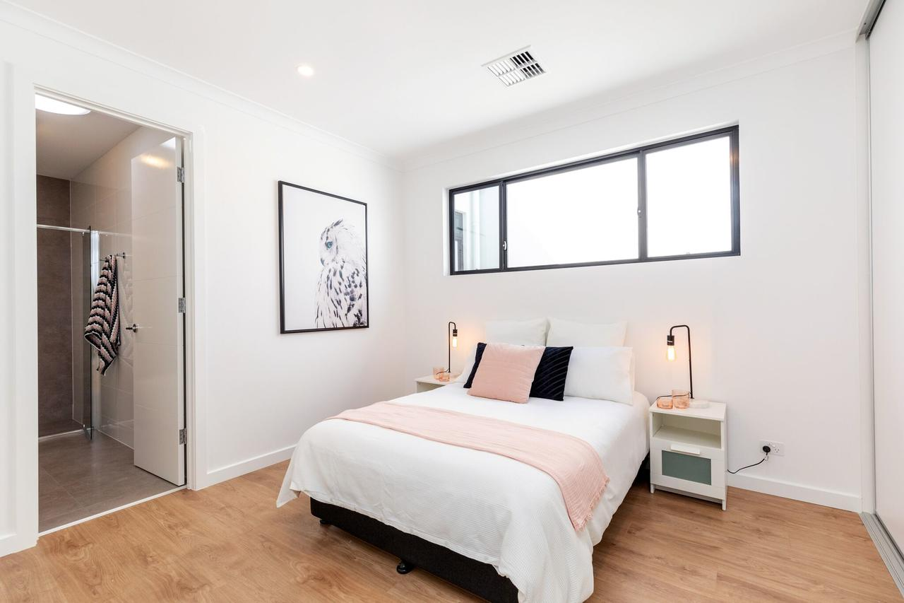Brand new affordable luxury 3 bedroom 3 bathrooms house close to Adelaide city Chinatown beach Adelaide Airport - Redcliffe Tourism