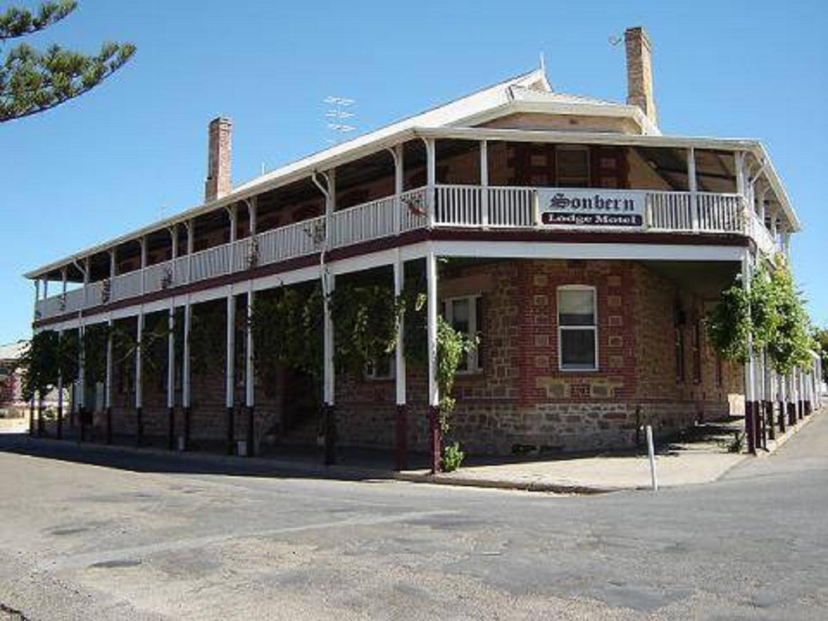 Sonbern Lodge Motel - Redcliffe Tourism