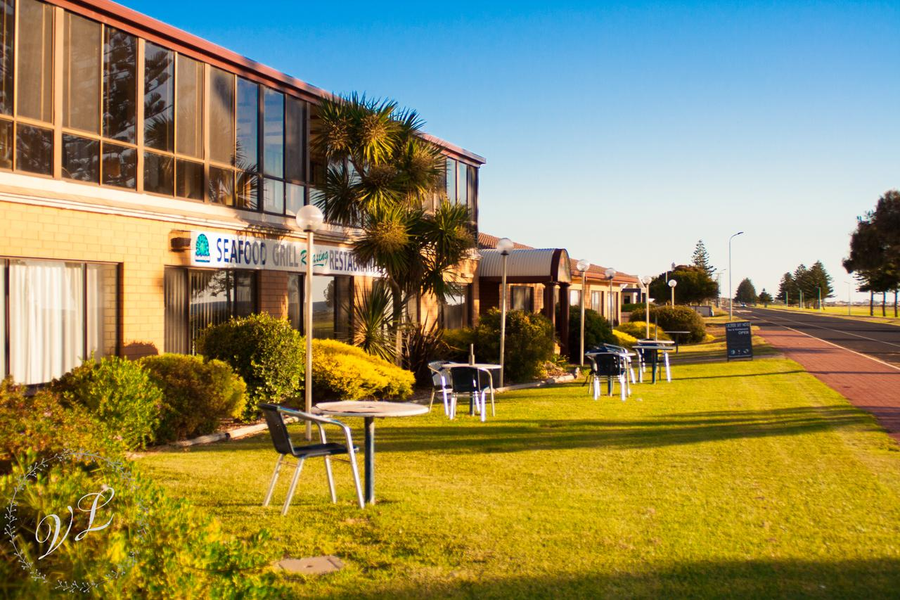 Lacepede Bay Motel  Restaurant - Redcliffe Tourism