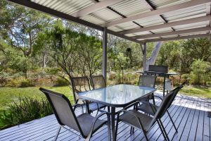 Wildwood - Pet Friendly - 5 Mins to Beach - Redcliffe Tourism