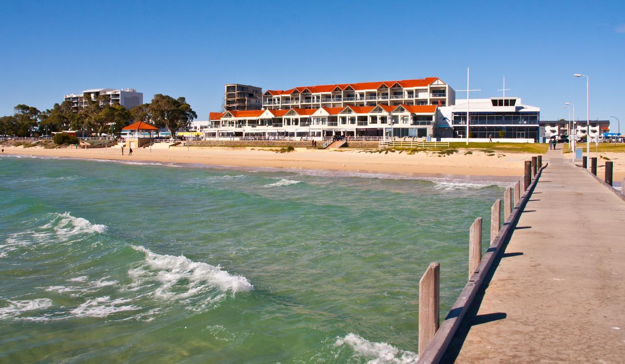 Boardwalk By The Beach - Redcliffe Tourism