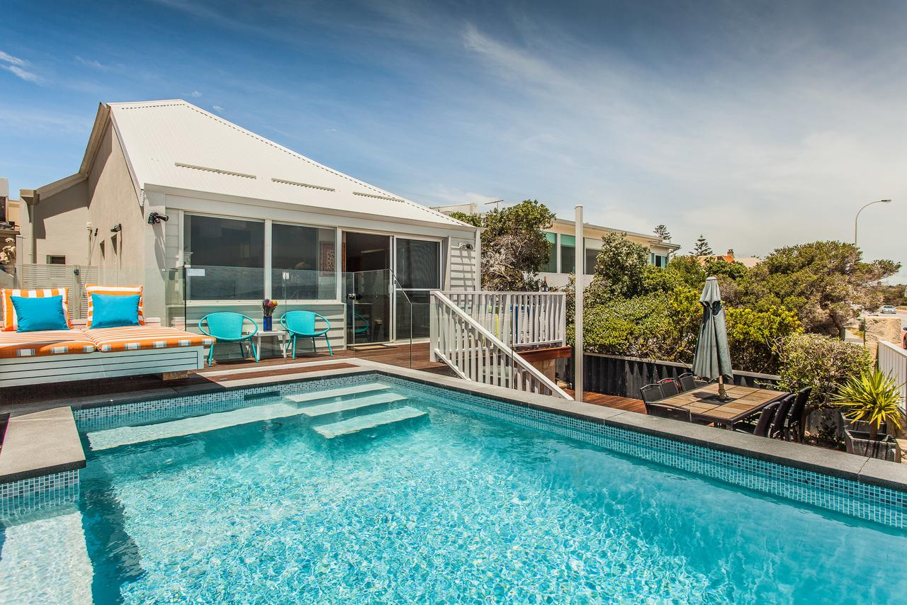 Cottesloe Beach House I - Redcliffe Tourism