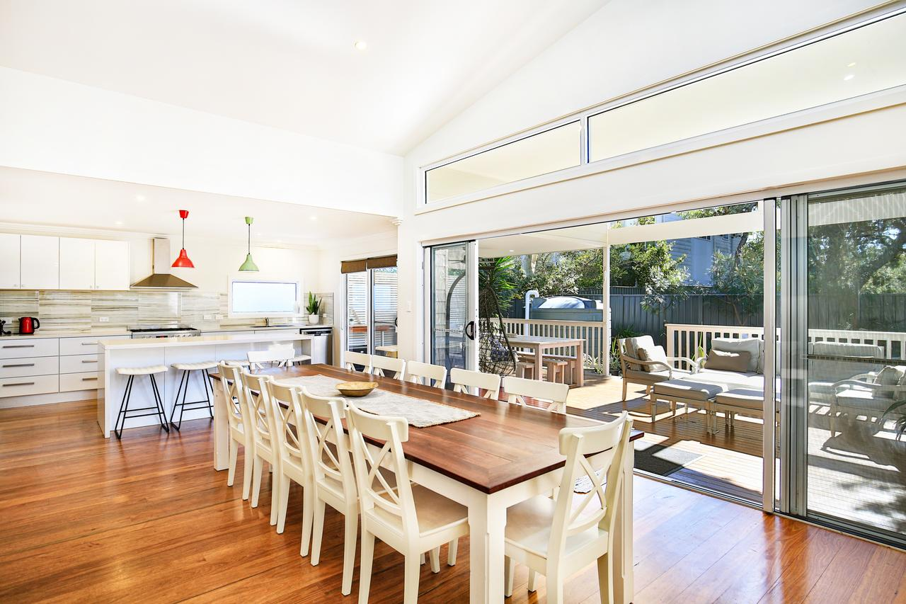 Calming Waters - Pet Friendly - 3 Min Walk to Beach - Redcliffe Tourism