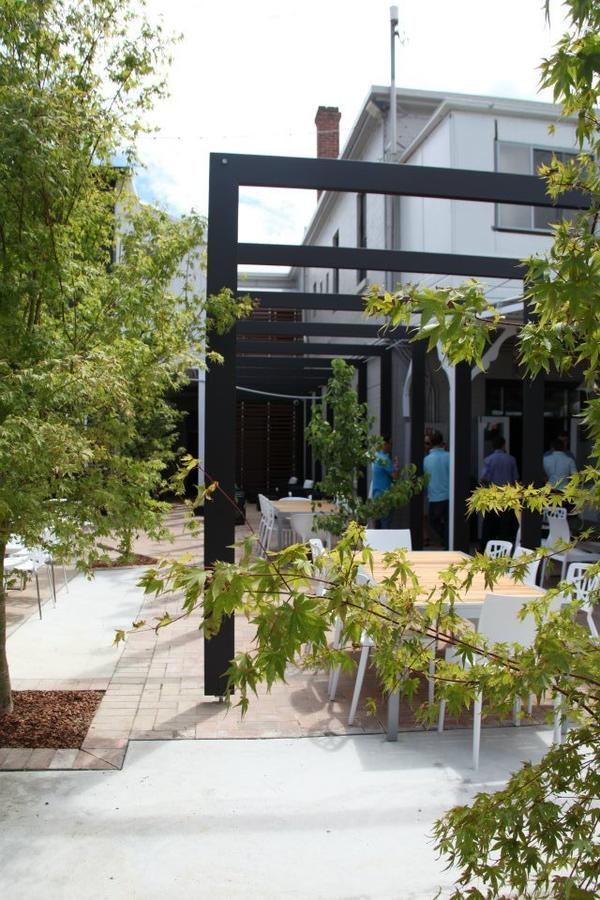 Crossroads Hotel - Redcliffe Tourism