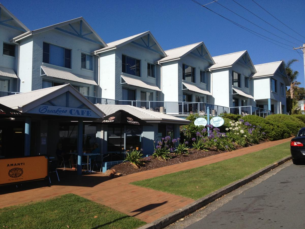 Breakers Apartments - Redcliffe Tourism