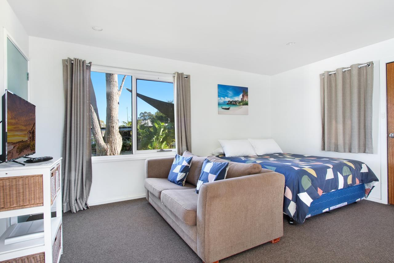 Huskisson Holiday Motel Cabins - Redcliffe Tourism