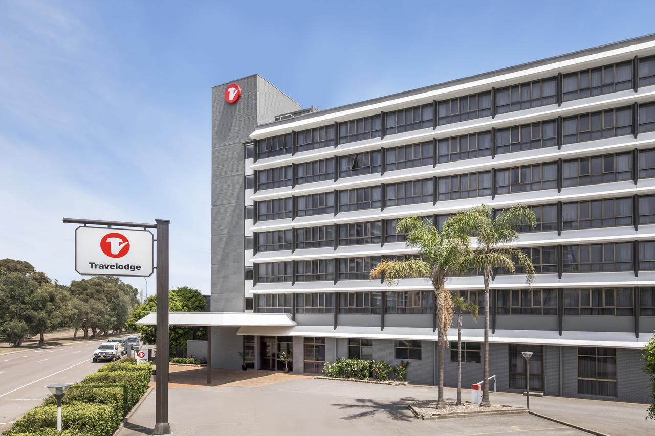 Travelodge Hotel Newcastle - Redcliffe Tourism