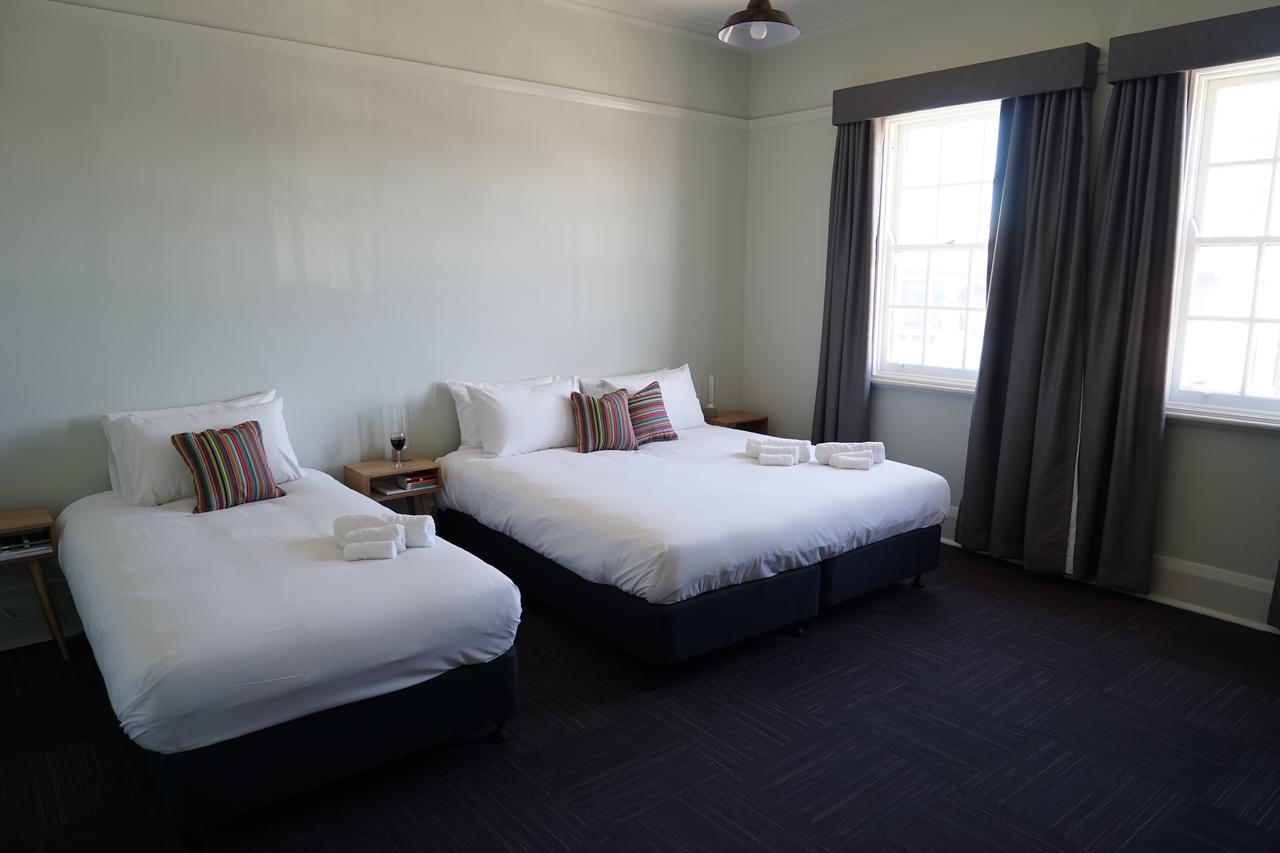 Rosehill Hotel - Redcliffe Tourism
