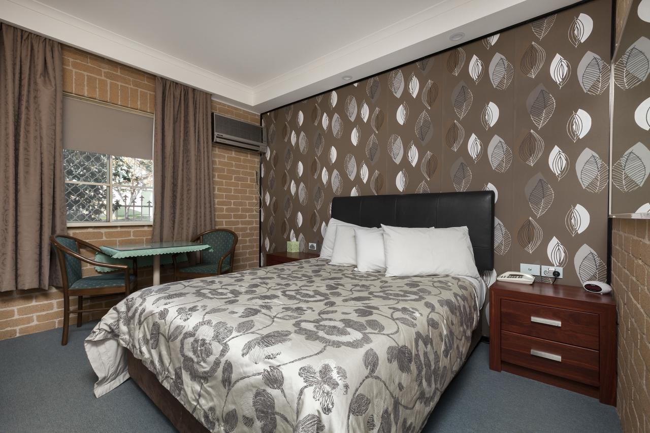 Grand Manor Motor Inn - Redcliffe Tourism