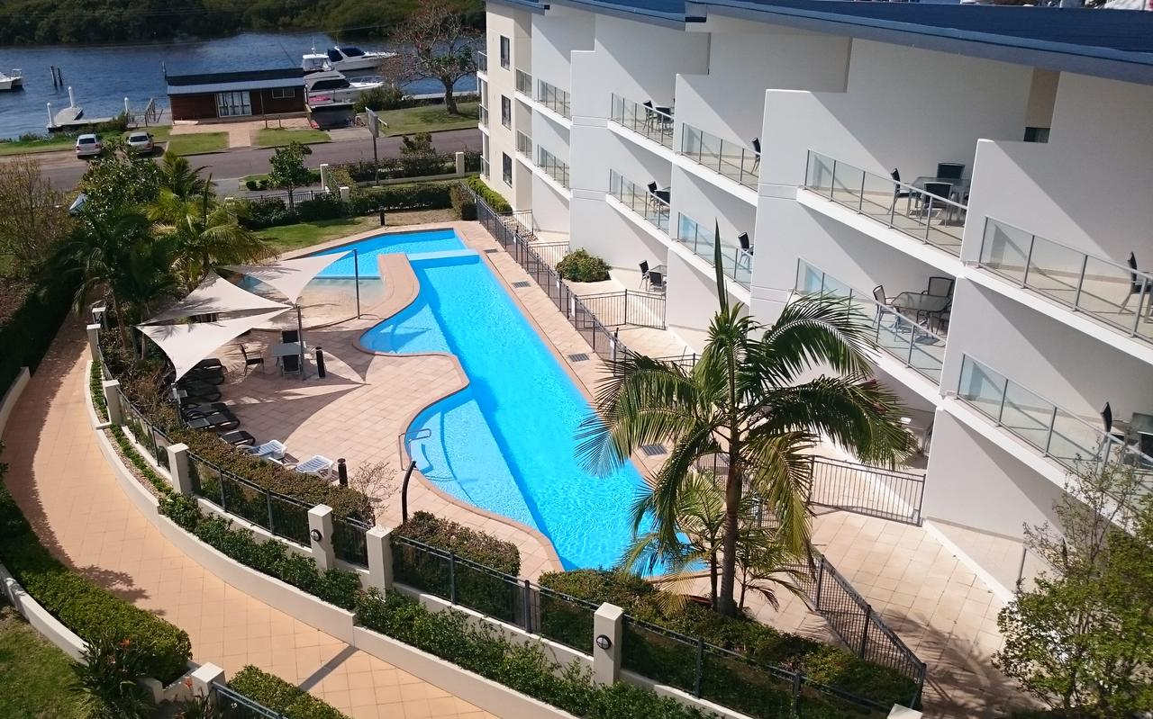 Boathouse Resort Water Front - Redcliffe Tourism
